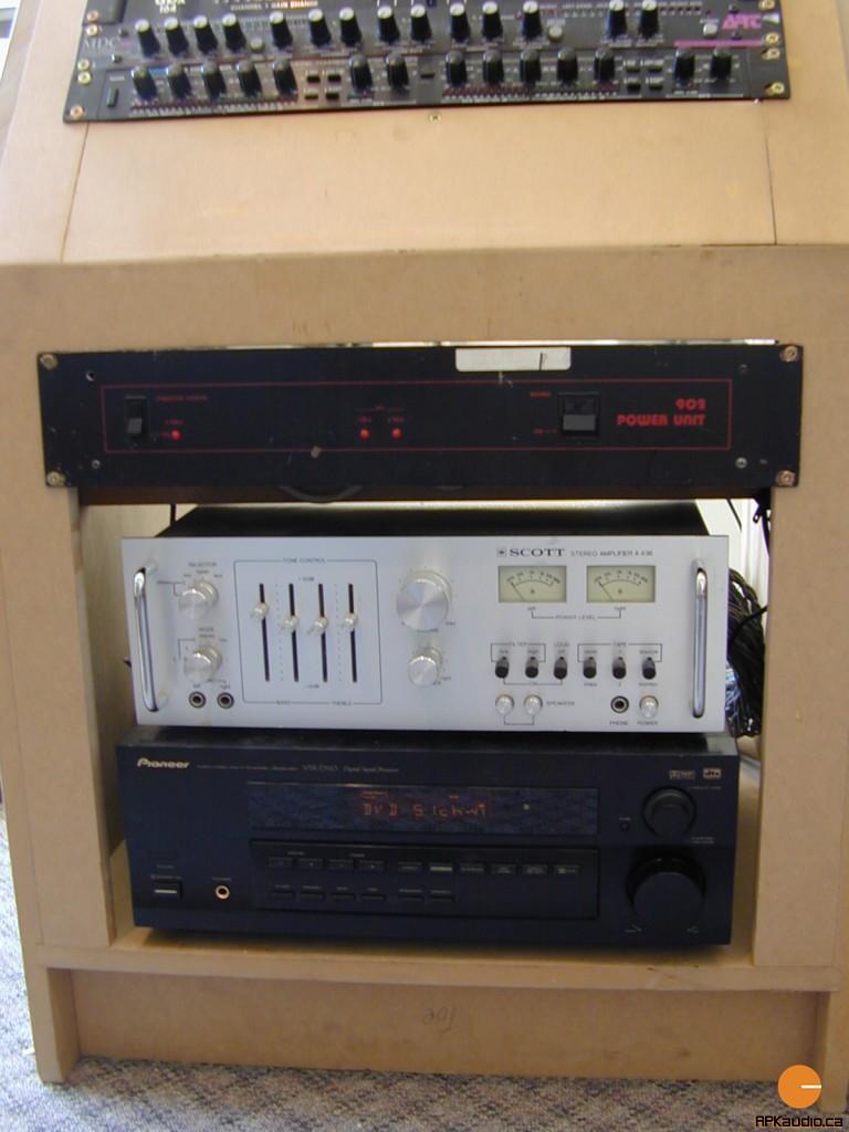 HVR 2003 143